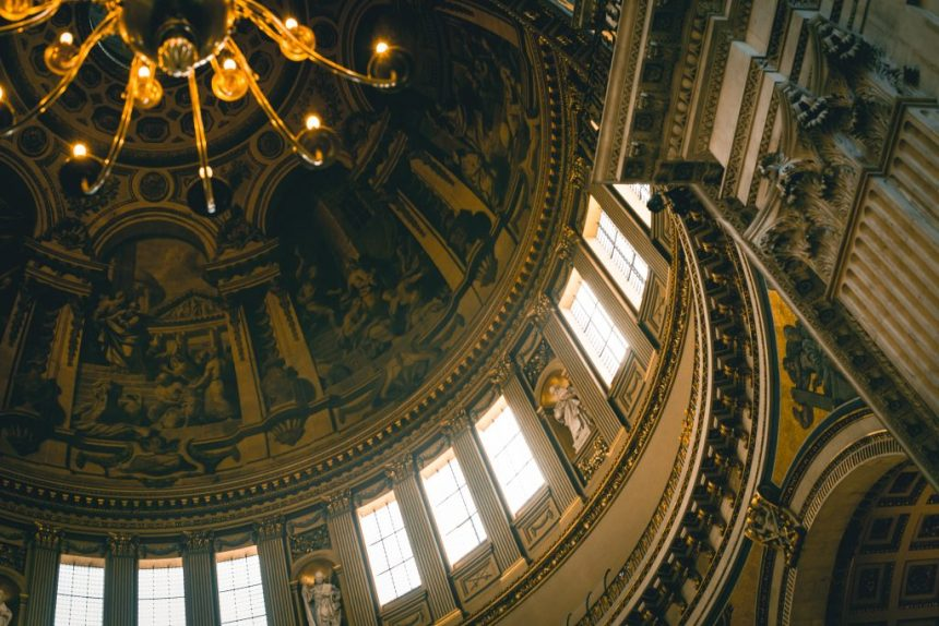 St. Paul's Cathedral guide london