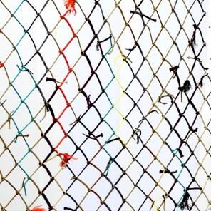 Menko 2012, Installation aus Polyamidschnüren, Maße 1,45 x 9,00m