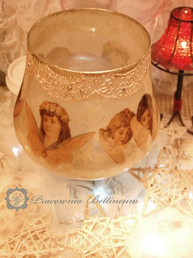 Anielski, koronkowy lampion