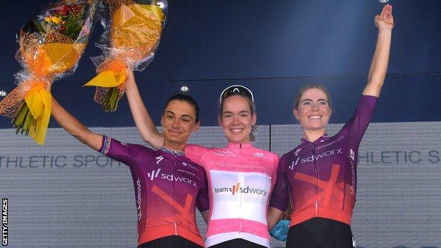 (l to r) Ashleigh Moolman, Anna Van Der Breggen and Demi Vollering