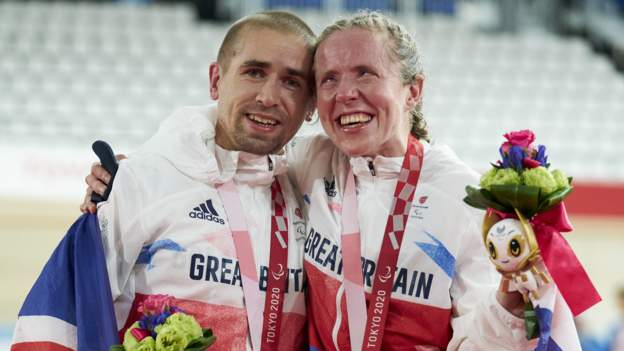 Tokyo Paralympics: Neil and Lora Fachie both win Paralympic gold for GB