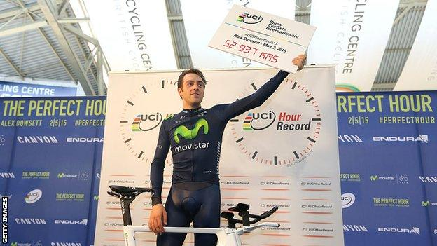 Alex Dowsett after breaking the hour record in 2015