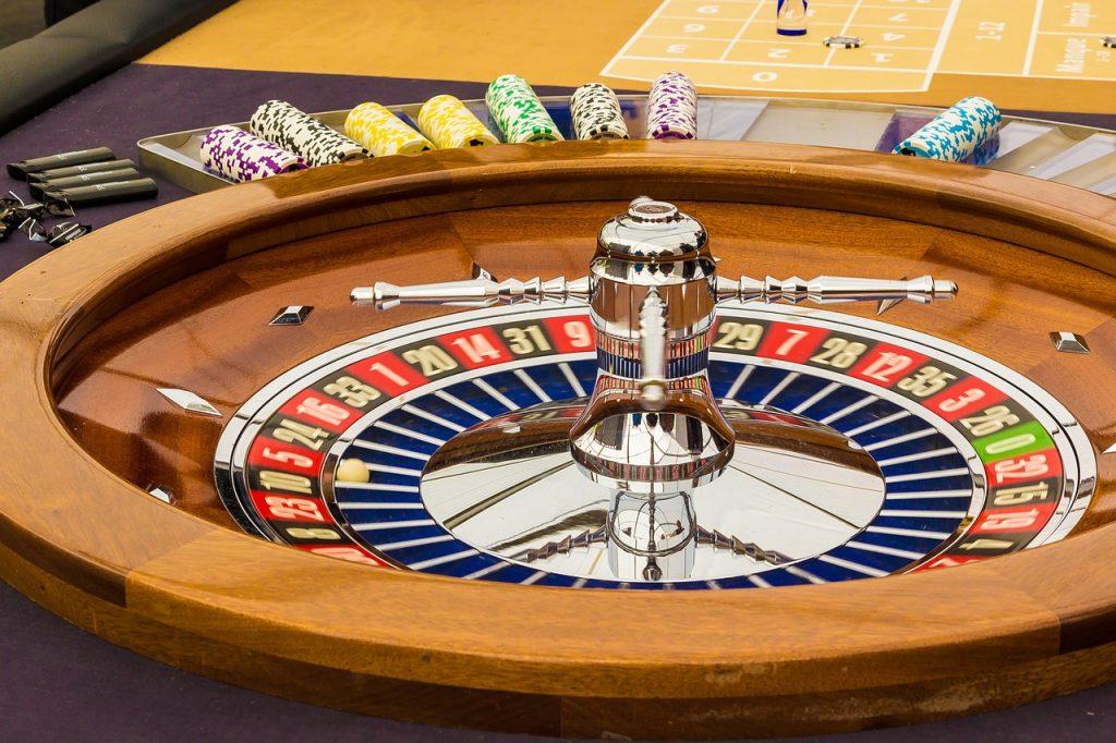 Roulette wheel side view