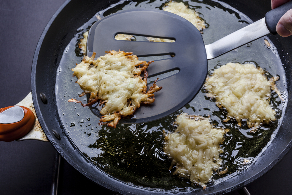 How to get rid of a frying smell. Chanukkah tips to remove the frying latkes smell.