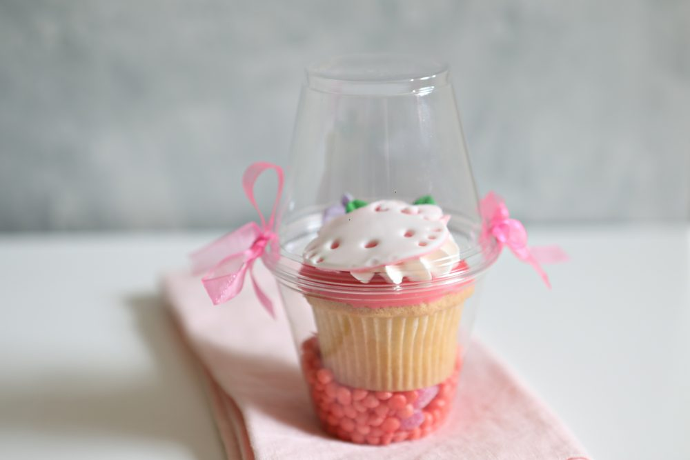 5 Adorable Mishloach Manos Your Kids Can Package Themselves. Do your kids love to give mishloach manos to their friends? Make it their project, not yours with this easy-to-recreate ideas.