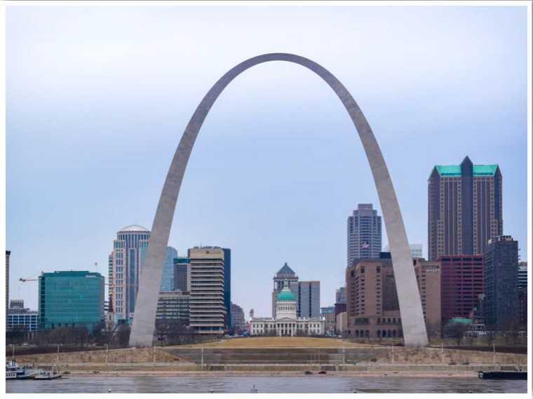 Gateway Arch St Louis Missouri by Jessica