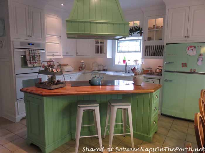 beautiful farmhouse kitchen renovation