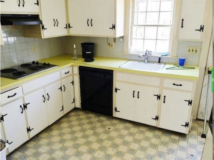 1960s Kitchen Gets A Dramatic Makeover