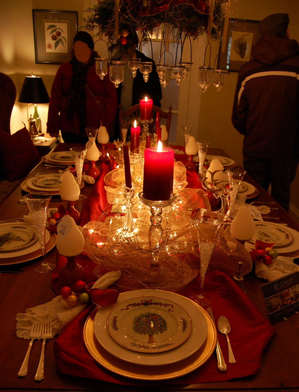 Christmas And Holiday Tablescapes Table Settings