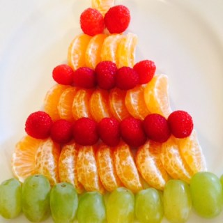My favorite healthy holiday snack: The fruit tree