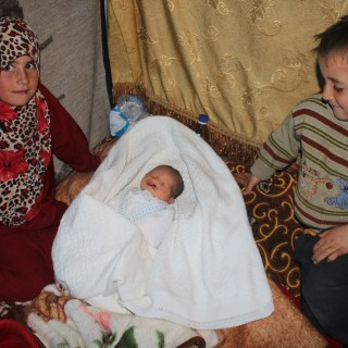 How you can help Syrian refugee mamas and babies