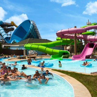 Water park do's and don'ts when visiting with teens and tweens