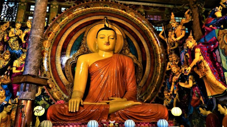 One of the many Buddha Statues at Gangaramaya Temple