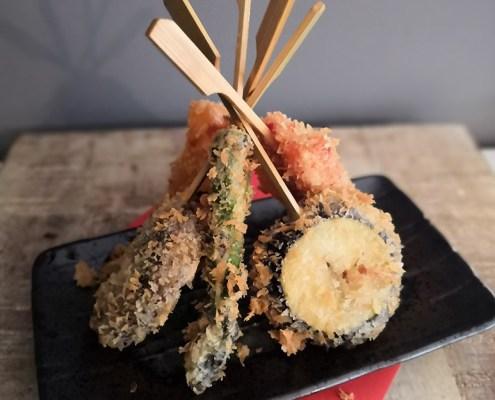 vegan recept Japans streetfood gefrituurde groenten op een stokje