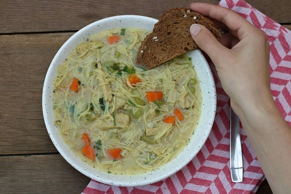 recette végane soupe de poulet végétalienne