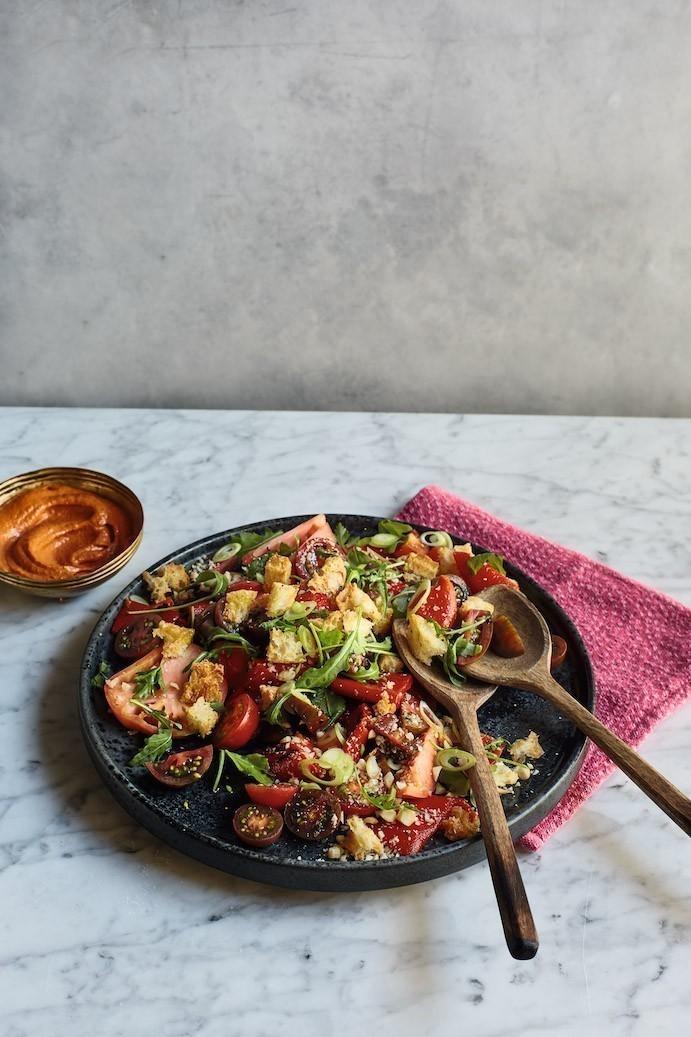recette végétalienne salade de tomates et sauce romesco