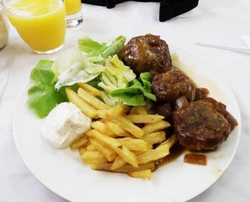 restaurant végane Liège Les oiseaux s'entêtent