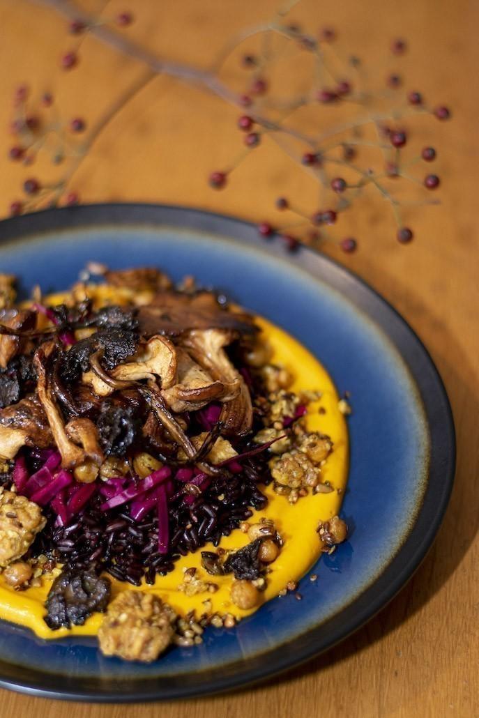 veganistisch recept feestelijk hoofdgerecht met pompoen