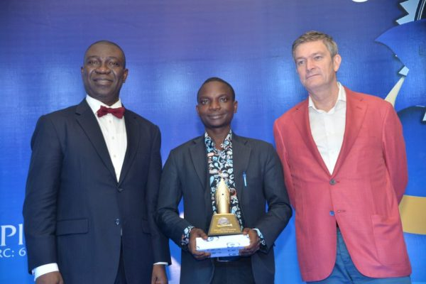 From Left to Right: Deputy Senate President, Ike Ekweremadu; Gbenga Salau, first runner-up, NB Golden Pen Reporter of the Year and Nicolaas Velverde, Managing Director, Nigerian Breweries at the Golden Pen Award night in Lagos on Friday