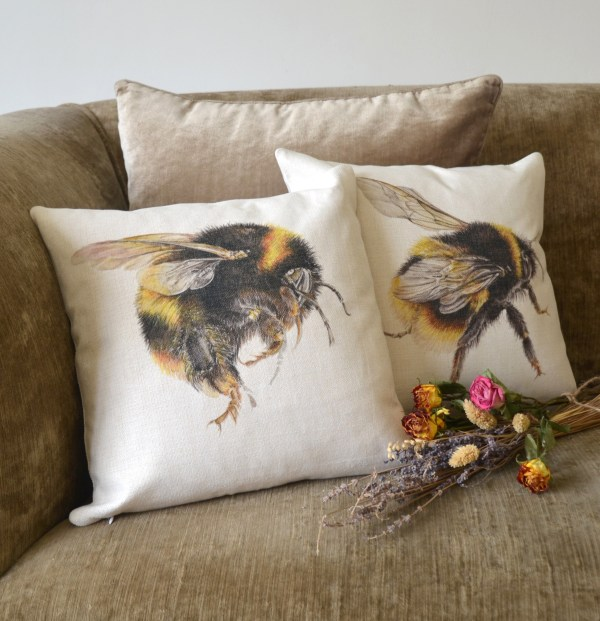 Bumble Bee linen Cushions