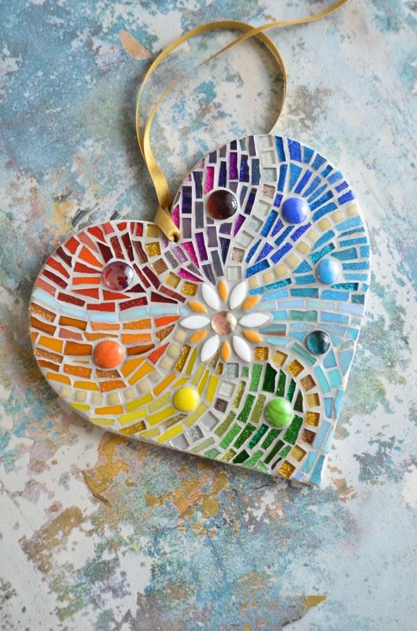 rainbow-heart-sideon-bluegold-background