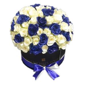 White & Blue roses in dome shape