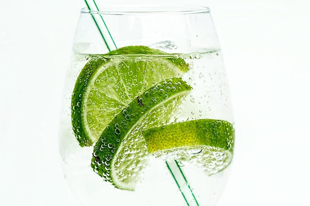 gin and tonic healthy cocktails
