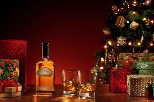 15 Spirits for Everyone on Your Holiday Gift List
