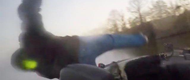 バスボート事故 ~波にぶつかり乗員が放り出される~ 1
