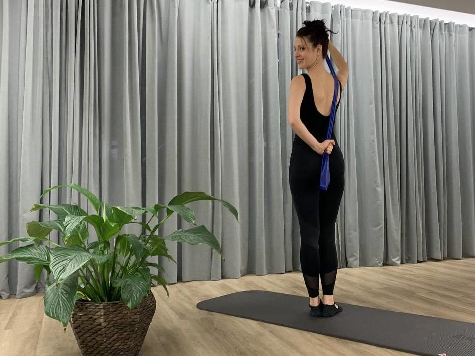 Yogalates mit Theraband