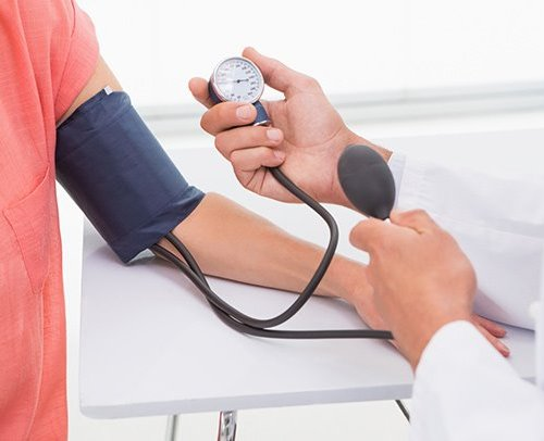 4 Ways of controlling high blood pressure without medications