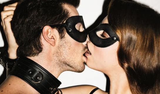 8 Hot Kissing Positions To Improve The Quality of Your Romance