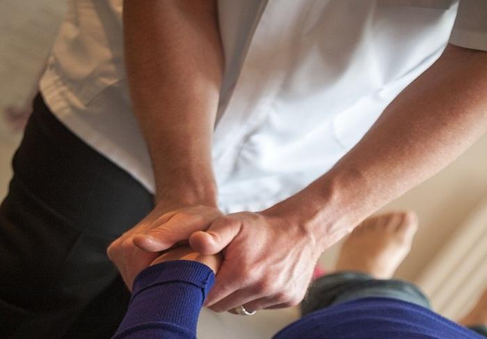 chiropractic-3516426_960_720