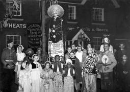 Bonfire Society outside Wheatsheaf Inn (LC) c1950
