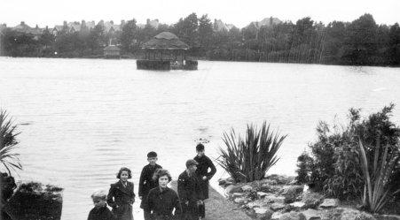 Egerton Park, flood, bandstand 1949