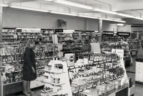 SHO-006 - Boots, Bexhill, interior 1967