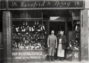 SHO-009 - Cornford and Spray cobblers shop Arthur Spray c1930