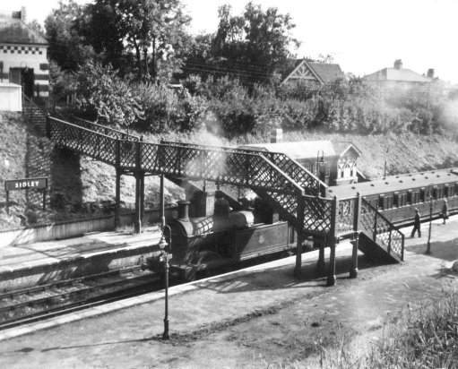 SID-035 - Sidley Station and platforms 23.7.1955
