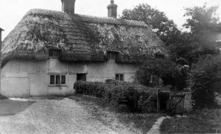 Thatched cottage, Sidley 1925
