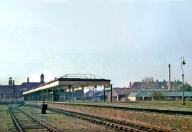 BW-029 - Bexhill West station platform 1 and the run-round loop in March 1962.