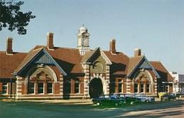 BW-068 - Bexhill West station forecourt c1980
