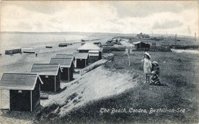 BBE-002 - Beach, Cooden, Bexhill c1910