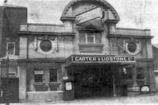 CL-002 In 1922 the Cinema de Luxe was converted to become Western Road Garage