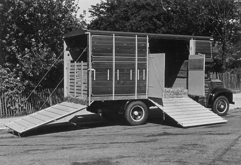 HO-016 - Beeney cattle lorry rear