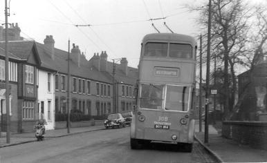 308 BDY814 Wolverhampton serv @ Walsall-Willenhall boundary 22-11-1959