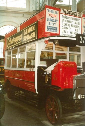 K424 General open top bus offside view Covent Garden Mus 17-9-1983