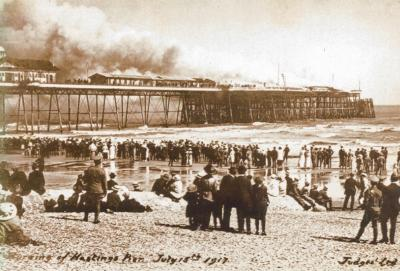 pier on fire from west side 15-7-1917, reopened 1927