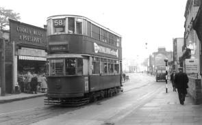 138 route 58 to Blackwall Tnl @ Greenwich, post-war, wider image