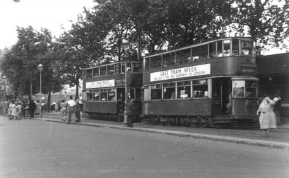 1941 serv 36 to Abbey Wood on Vic Embankment
