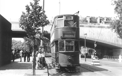 88 route 36 to Abbey Wood on Embankment, post-war